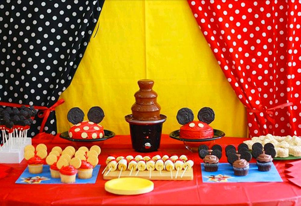 Feste a tema topolino e minnie per bambini e infanti - Decoracion para fiestas infantiles mickey mouse ...