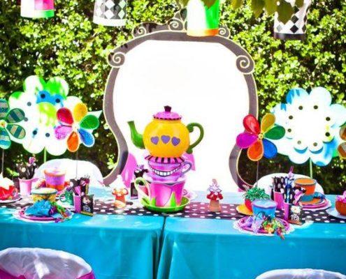 Festa a tema Alice nel Paese delle meraviglie